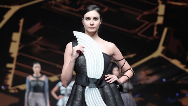 Jd Institute Of Fashion Technology Celebrates Fashion Innovation At The Fashion Awards 2019exclusive News Exclusive News